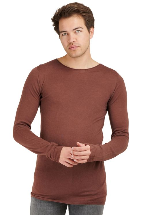 long-sleeved fine knit sweater