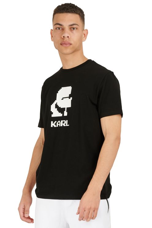 Black short-sleeved T-shirt
